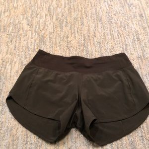 Lululemon hunter green shorts